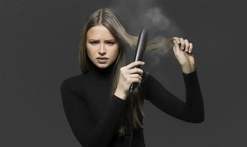 Comment lisser les cheveux sans fer ou chaleur