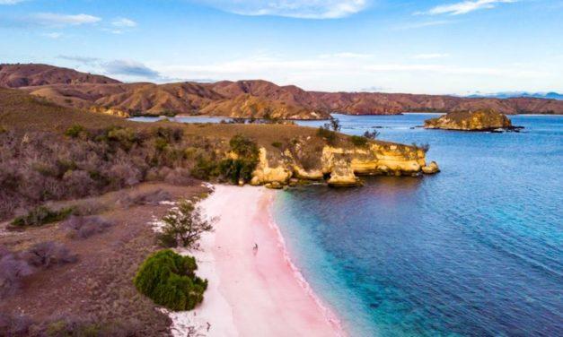 7 plages les plus colorées au monde : Des images surprenantes