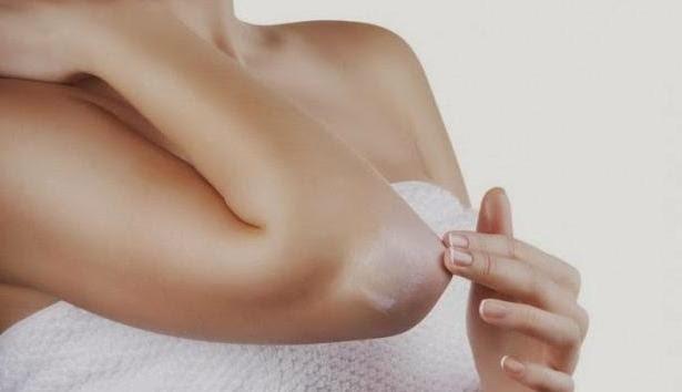 Eclaircir la peau des genoux et des coudes avec des moyens simples