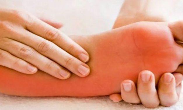 Quelles sont les causes des pieds brûlants? Parlons aussi des remèdes !