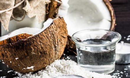 Utiliser l'huile de noix de coco pour la peau et les cheveux